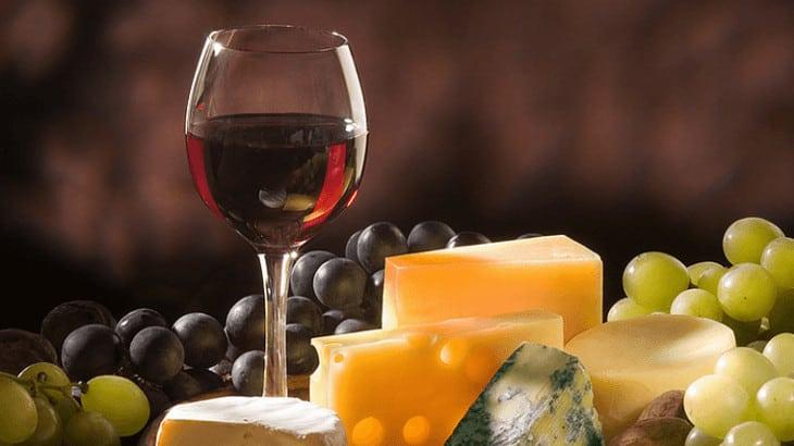 Jaarlijkse toneel en kaas en wijn avond 2013