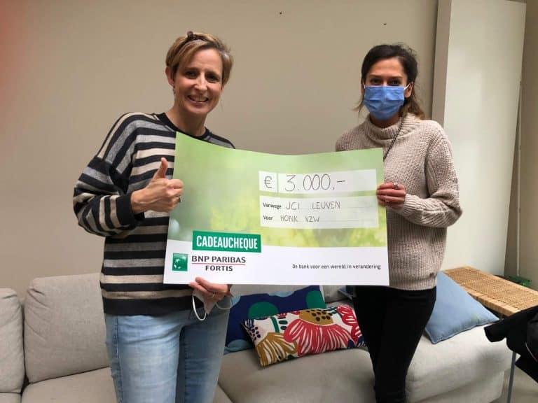 JCI Leuven haalt 3.000 euro op voor vzw Honk